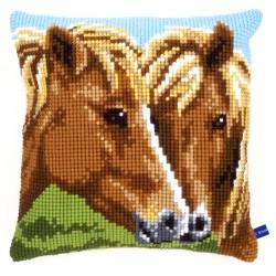 Horses - Chunky Cross...